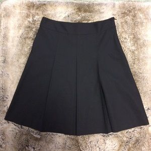 Theory Wool Pleated Black Skirt size 4